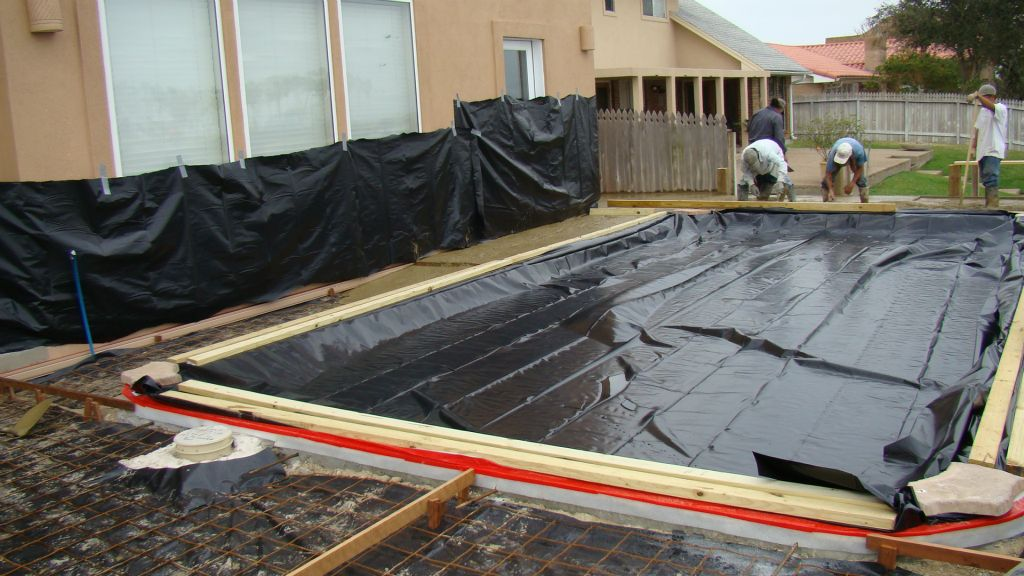 CONCRETE POUR FOR DECK