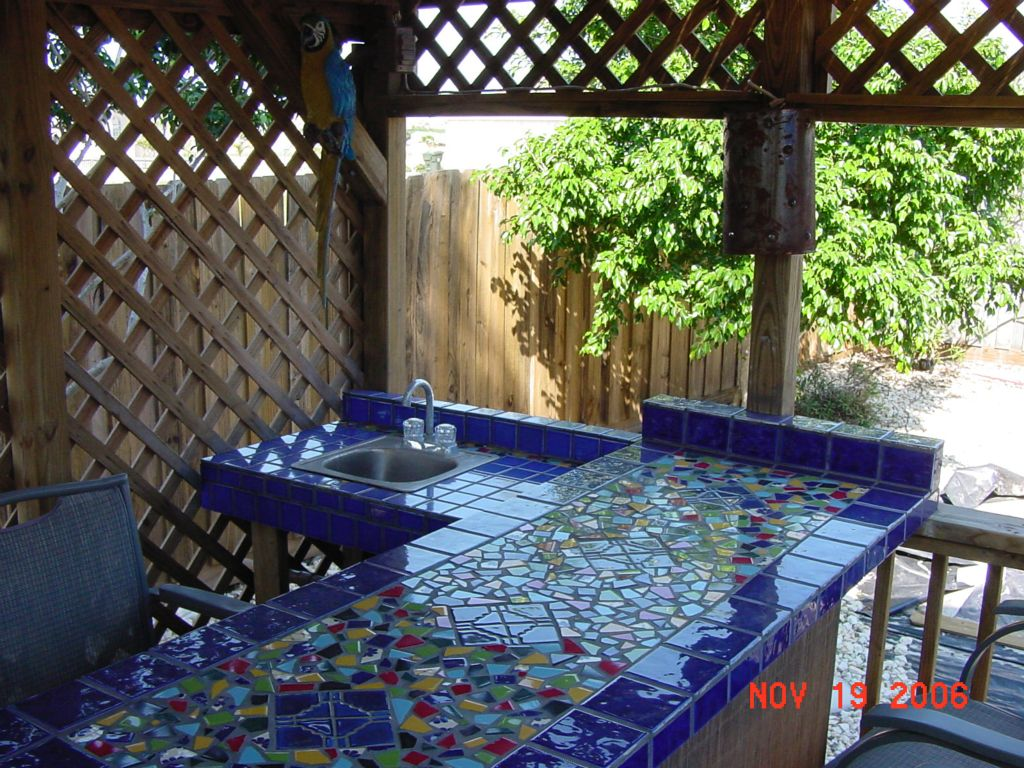 CUSTOM MADE MOSAIC TILE COUNTER TOP